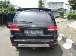 Jawa Barat, Ford Escape Limited 2011 kondisi terawat