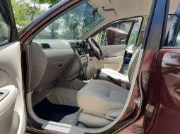 Mobil Daihatsu Xenia 2010 Li terbaik di Jawa Timur