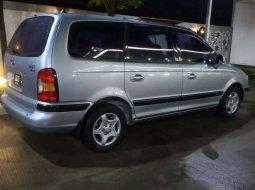 Jual mobil bekas murah Hyundai Trajet GL8 2003 di Banten