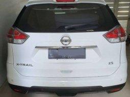 Jual Nissan X-Trail 2015 harga murah di Jawa Timur