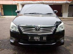 Mobil Toyota Kijang Innova 2011 G Luxury terbaik di Jawa Barat