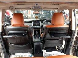 Jual Toyota Kijang Innova V 2016 harga murah di Riau