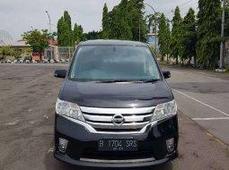 Mobil Nissan Serena 2013 terbaik di Jawa Tengah