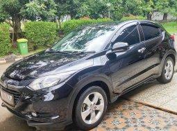 Jual Cepat Mobil Honda HRV Type E 2017 warna hitam Bekasi Tambun