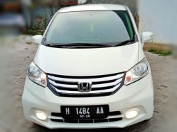 Honda Freed PSD Matic 2014 Putih