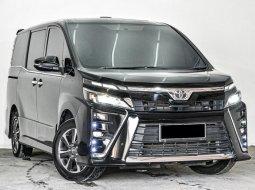Ready Stock Toyota Voxy 2017 Km Low , Terawat !!