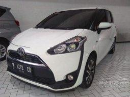 Mobil Toyota Sienta 2016 V terbaik di Jawa Timur