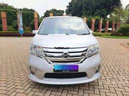 Mobil Nissan Serena 2014 Highway Star terbaik di Banten