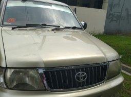 Dijual Toyota Kijang LGX 1.8 EFI thn 2004, manual bensin, warna Gold - mesin prima, best price