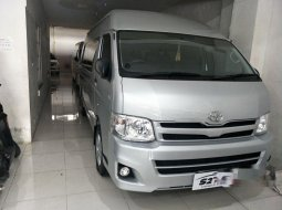 Jual mobil bekas murah Toyota Hiace High Grade Commuter 2012 di Jawa Timur