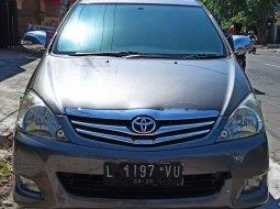 Mobil Toyota Kijang Innova 2010 G terbaik di Jawa Timur