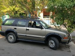 Opel Blazer Montera LV Th 2002