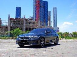 2020 BMW 320i Sport Sedan Hitam Surabaya