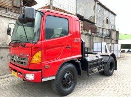 Terawat+BanBARU,BAGUS Hino Engkel Tractor Head SG260TH SG260J 2010