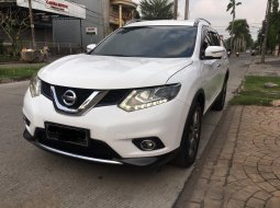 Nissan X-Trail 2.5 AT CVT 2015 Putih