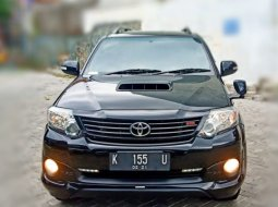 Toyota Fortuner Vnt  TRD Sportivo Diesel Matic 2015 Hitam