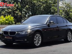 BMW F30 320I SPORT 2018