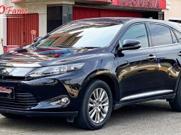 Toyota Harrier 2.0 2014
