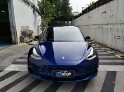 Brand New 2020 Tesla Model 3 Standard Range Plus Deep Blue Metallic on Black