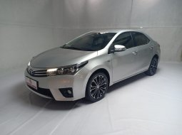 Toyota Corolla New Altis 1.8 V AT 2015 Silver Km Rendah