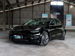Brand New 2020 Tesla Model 3 Standard Range Plus Solid Black on Black