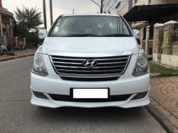 Hyundai H1 Royale 2.4 AT 2012 Putih