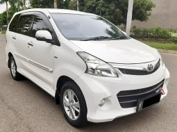 Toyota Avanza Veloz 1.5 AT 2013 DP Minim