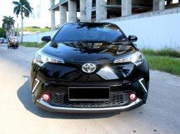 Toyota C-HR 2018 Hitam