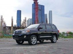 2010 Toyota Land Cruiser UK 4x4 Diesel KM 80 ribu Hitam Surabaya