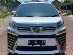 Mobil Toyota Vellfire 2018 ZG terbaik di Jawa Timur