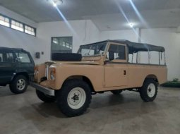 Land Rover Defender 2.5 Manual