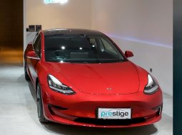Brand New 2021 Tesla Model 3 Standard Range Plus Red Multi Coat on Black