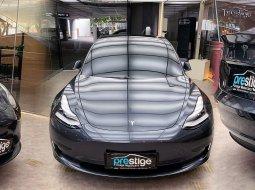 Brand New 2021 Tesla Model 3 Standard Range Plus Midnight Silver Metallic on Black