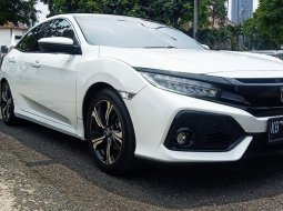 Honda Civic E Turbo Hatchback 1.5 AT 2019