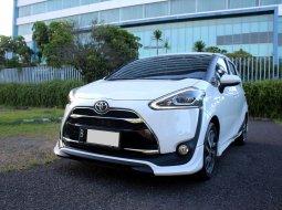 Toyota Sienta Q AT 2018 Putih