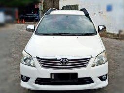 Toyota Kijang Innova 2.4 G Diesel Manual 2011 Putih
