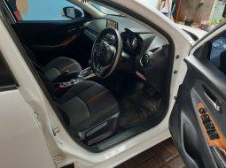 Jual mobil Mazda 2 2015