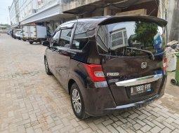 Jual mobil Honda Freed 2012