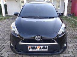 Mobil Toyota Sienta 2017 V dijual, DKI Jakarta