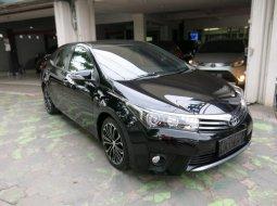 Toyota Corolla Altis V AT Matic 2014