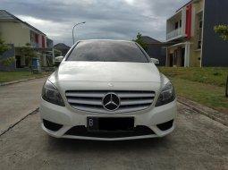 On Sale Mercedes Benz B200 1.6 Urban thn 2013 Putih AT Triptonic