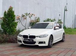 BMW 3 Series 330i 2016 Putih