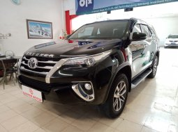 Toyota New Fortuner 2.4 VRZ Diesel AT 2017 Hitam Km Rendah