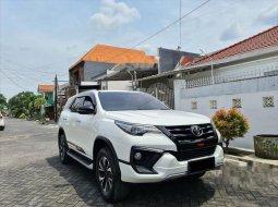Dijual mobil bekas Toyota Fortuner TRD, Jawa Timur