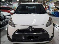 Mobil Toyota Sienta 2018 V dijual, Jawa Timur