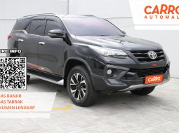 Toyota Fortuner 2.4 VRZ TRD AT 2018 Hitam