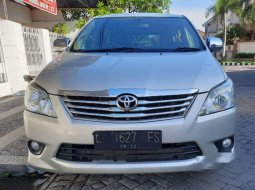 Mobil Toyota Kijang Innova 2012 G terbaik di Jawa Timur