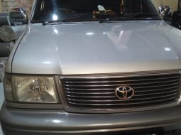 Toyota Kijang Krista 2001 Silver di Jawa Tengah