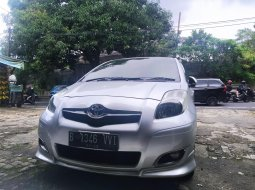 Toyota Yaris S Limited 2010 Silver