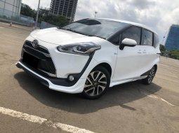 Toyota Sienta Q CVT 2018 Putih
